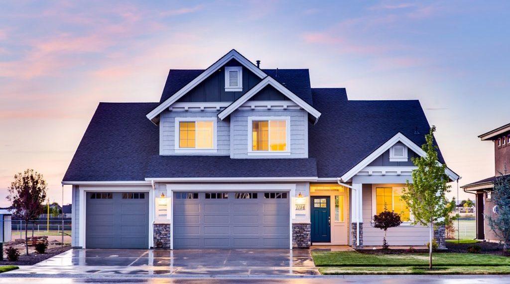 宅建士とは?役に立つの?儲かるの?将来性は?次のステップは?